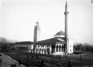 Xhamia-e-Ethem-beut-Tiranë-1926.jpg