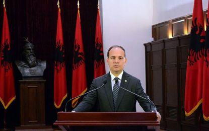 Presidenti Nishani uron mbarë besimtarët myslimanë shqiptarë me rastin e Ramazanit
