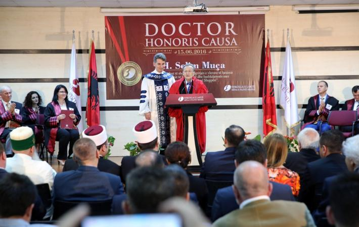 honoris causa2